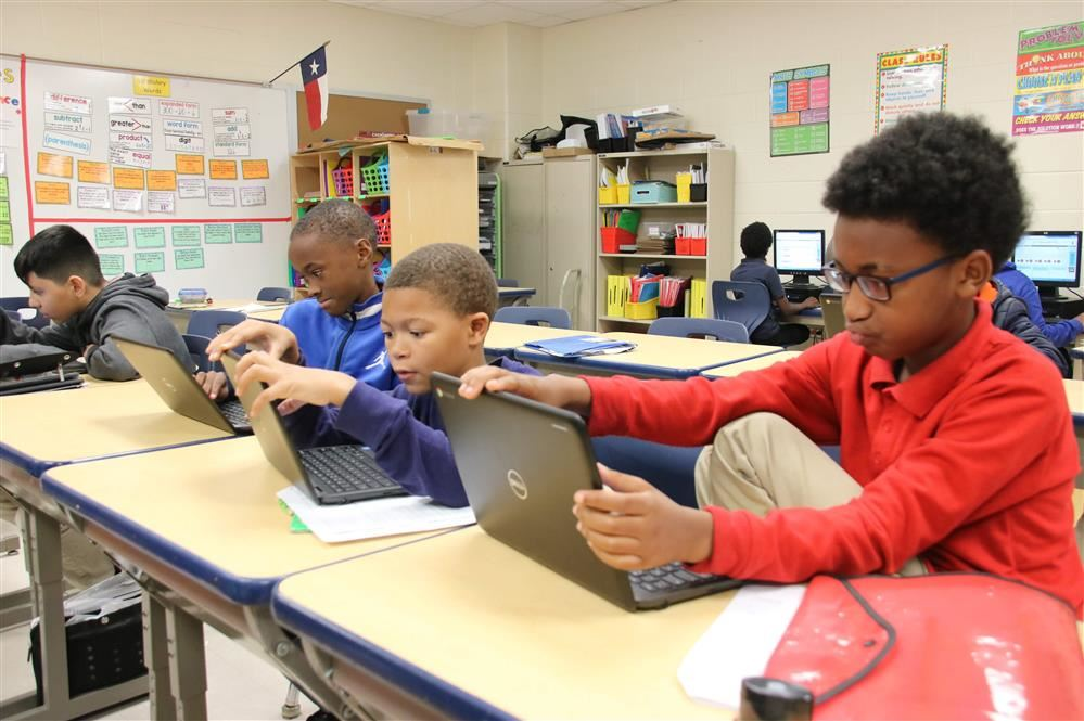 Jones-Clark and Smith Middle School Gain New Resources Under Phalen Leadership Academies